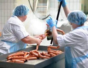 Read more about the article Wszystko kręci się wokół kiełbasy! Łożyska kulkowe w przemyśle przetwórstwa mięsnego