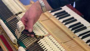 Read more about the article Brytyjski inżynier wykorzystuje elementy drukowane w 3D do projektowania najbardziej zaawansowanych technologicznie fortepianów na świecie