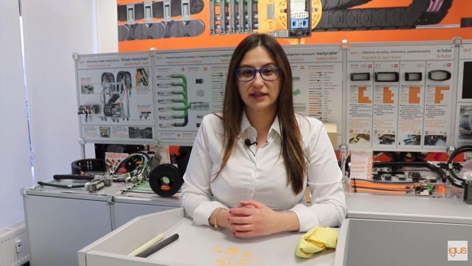 Produkcja odporna na wyładowania elektrostatyczne. Eksperyment z antystatycznym materiałem do druku 3D – iglidur® I8-ESD. FILM